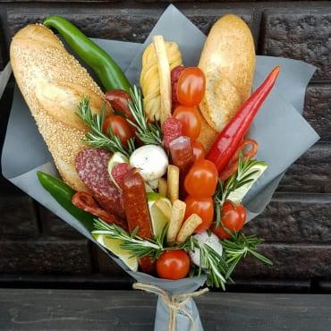 букет из колбасы и сыра«с огоньком»