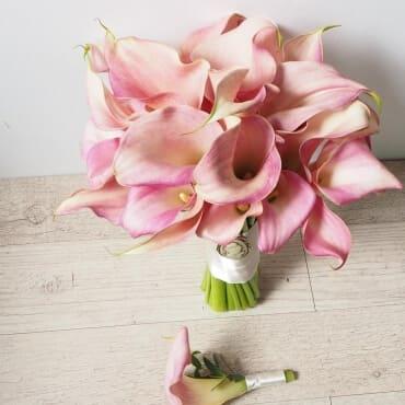 Букет невесты из розовых калл