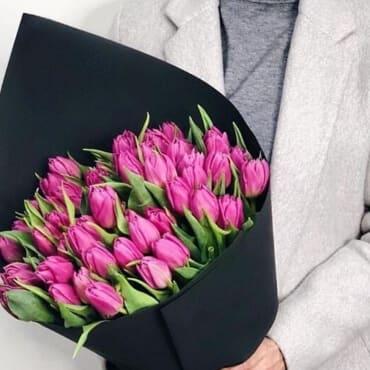 51 малиновый тюльпан